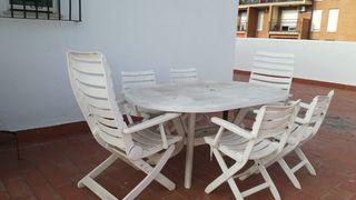 Mesa y 6 sillas de terraza