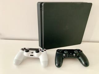 PlayStation 4 (PS4) Games Console