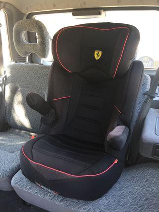 Silla niños Ferrari para coche