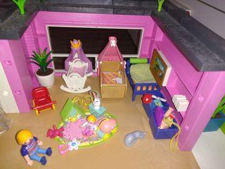 Mansion Playmobil + caravana.