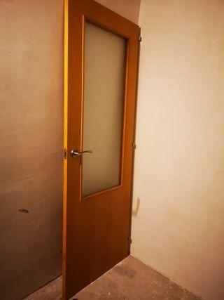 puerta maciza. totalmente nueva