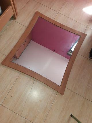 Espejo,con marco marrón en perfecto estado
