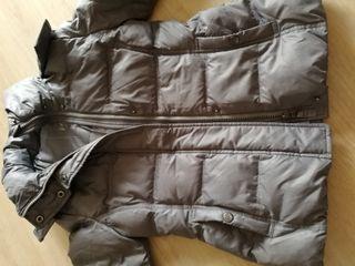 Abrigo plumas para niña de 7-9 años.