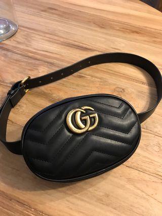 Riñonera estilo Gucci