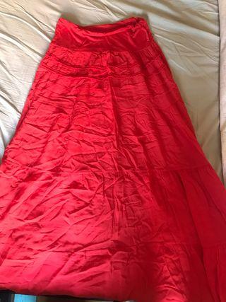 Falda larga roja