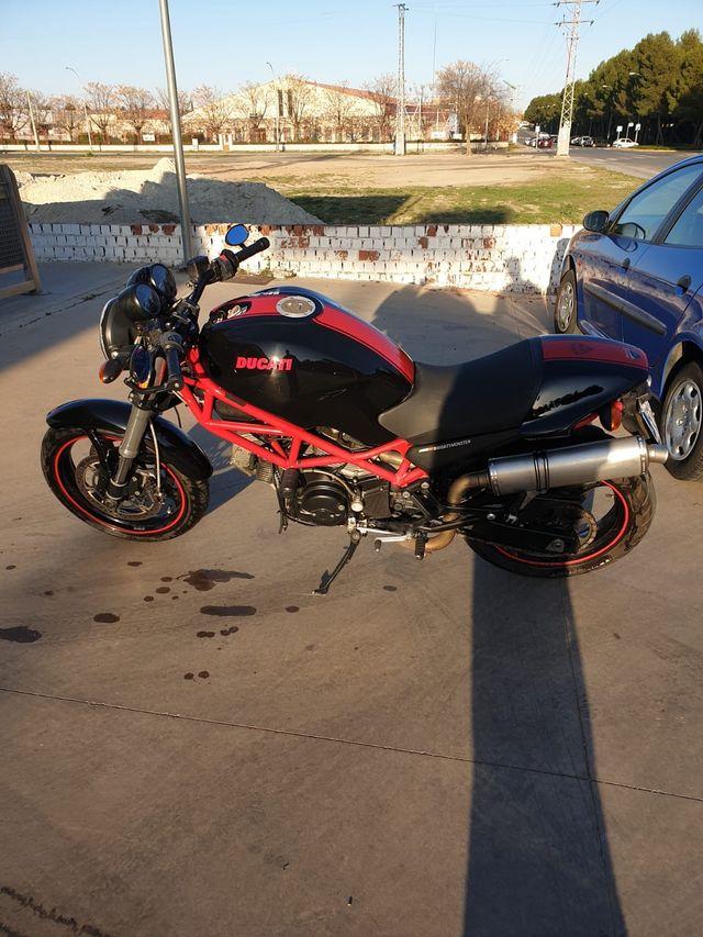 Ducati monster 695