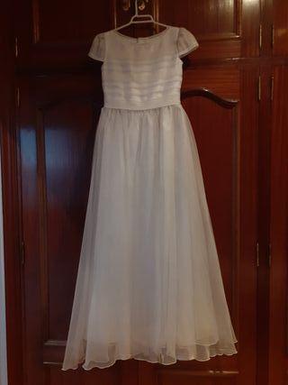 vestido de comunion de color blanco