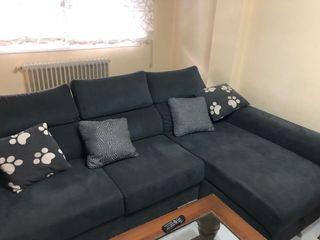 Sofa chaise longue.