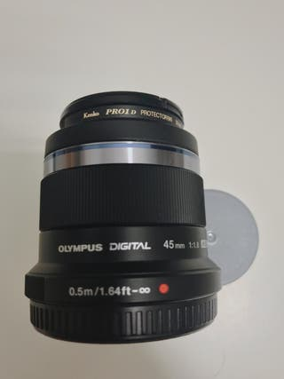 Olympus Zuiko Digital 45 mm f1.8