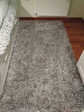alfombra de pelo casi nueva