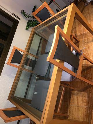 Urge vender!! Mesa de comedor de cristal y sillas
