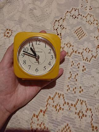 Reloj despertador clásico