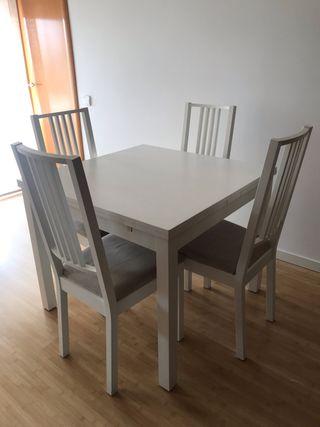Conjunto de Mesa blanca y sillas