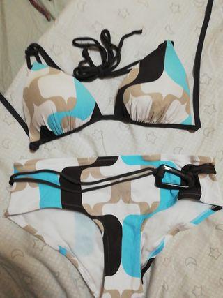 b8e7c6c37c9f Bikini de segunda mano en WALLAPOP