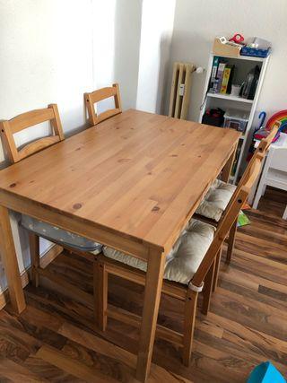 Mesa comedor con 4 sillas Ikea