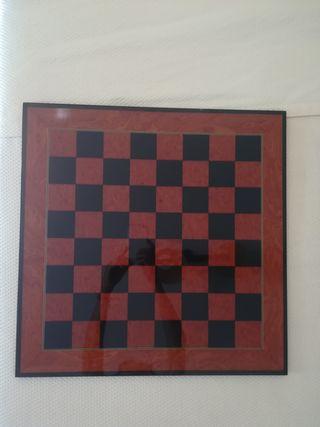 Tablero ajedrez madera satinada color caoba