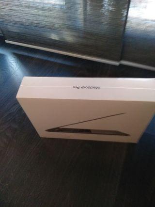 MacBookPro 13pulgadas 2019 Nuevo en su embalaje.