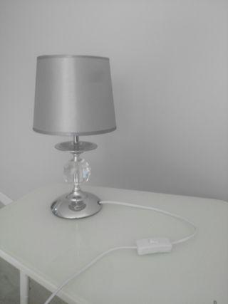 lámpara gris