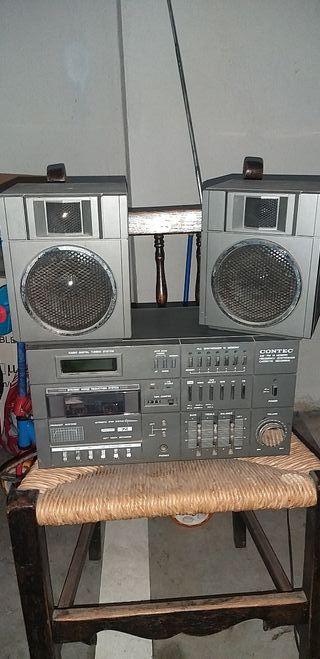 antiguo radio cassette con ampli contec