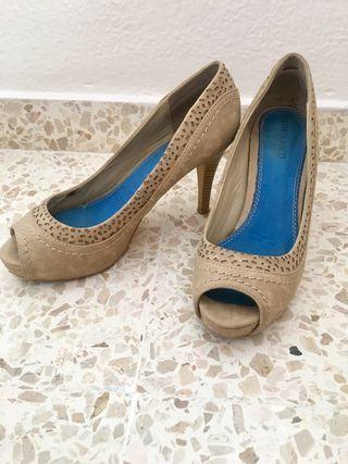 Zapatos de tacón ante beige SUITEBLANCO