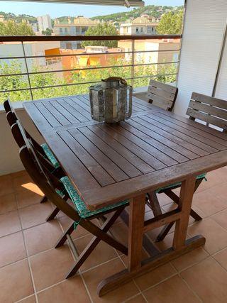 Conjunta mesa y sillas jardin