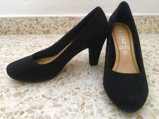 Zapatos de tacón ante negros. Marypaz