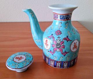 Jarra antigua de porcelana china