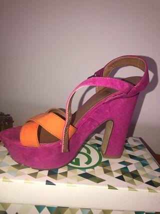 Zapatos tacón bicolor naranja y fucsia