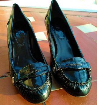 Zapato de tacón de Charol