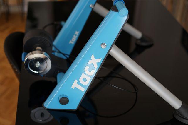 Rodillo entrenamiento indoor Tacx bicicleta