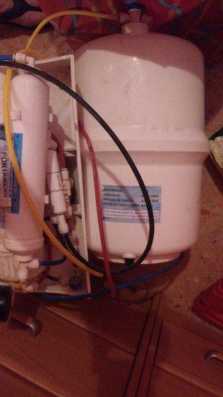 depuradora de agua com grifo