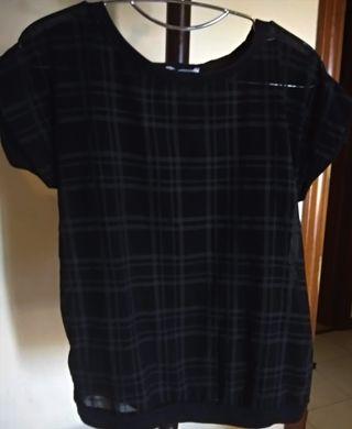 Camiseta Semi-Transparente