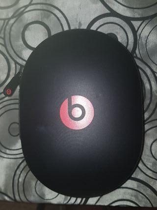funda auriculares beats