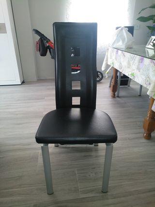 sillas de diseño en negras
