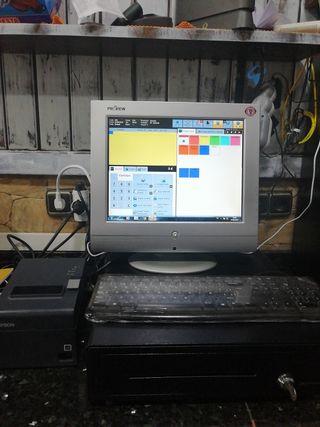 pantalla y torre de ordenador para un negocio