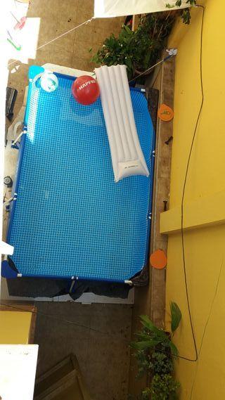 Piscina + depuradora + limpiafondos + red + pelota