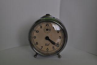 Reloj despertador CID Funcionando bien.