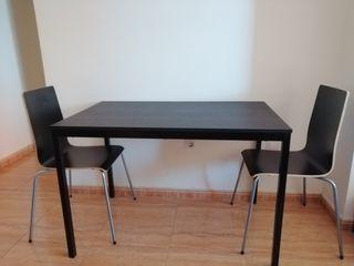 Mesa comedor + dos Sillas (Ikea)