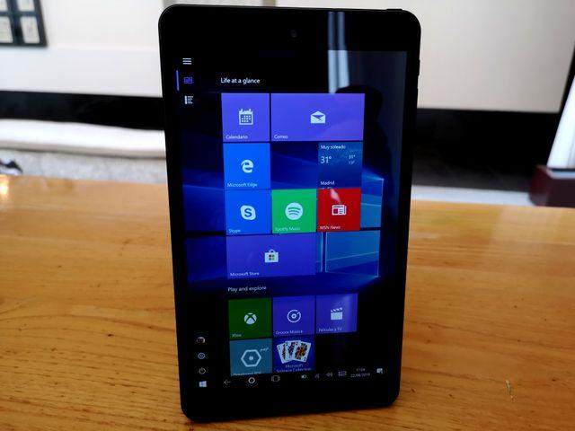 Tablet de 8plg. Win 10 32gb ram. microsd de 64gb