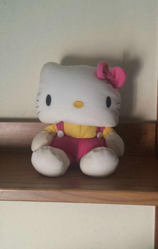 Hello Kitty muñeca 24 cm