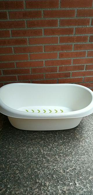 bañera para bebé está impecable