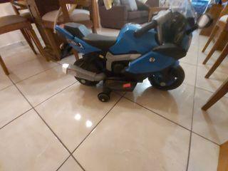 Moto eléctrica niño de 4a5 años