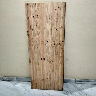 Tablero macizo de madera pino. (ES GRANDE).