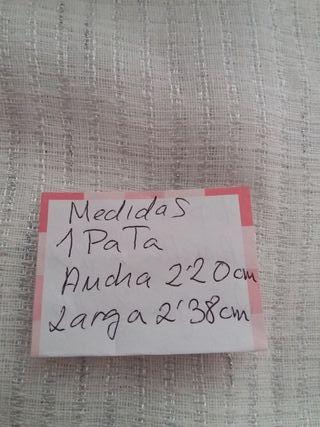 1 PATA DE CORTINA SÓLO 5 EUROS.