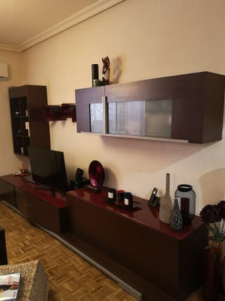 Muebles salón, mesa comedor y 6 sillas wengué