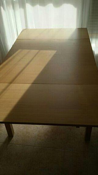 Mesa y regalo sofas