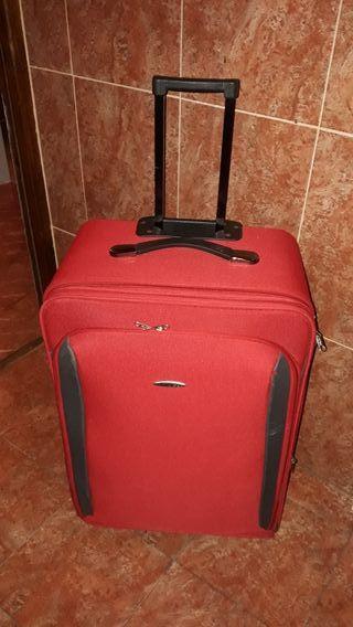maleta con ruedas grande de viaje, muy cuidada