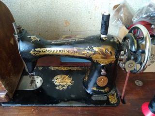 Antigua maquina de coser británica Singer