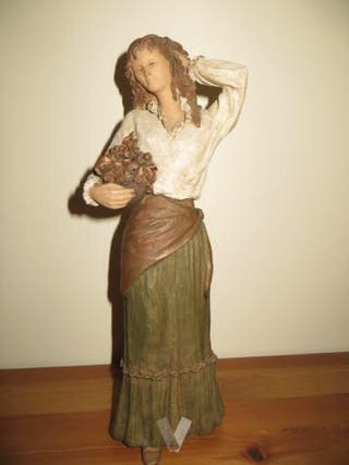 Figura femenina ELISA