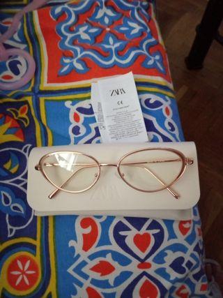 montura de gafas Zara a estrenar